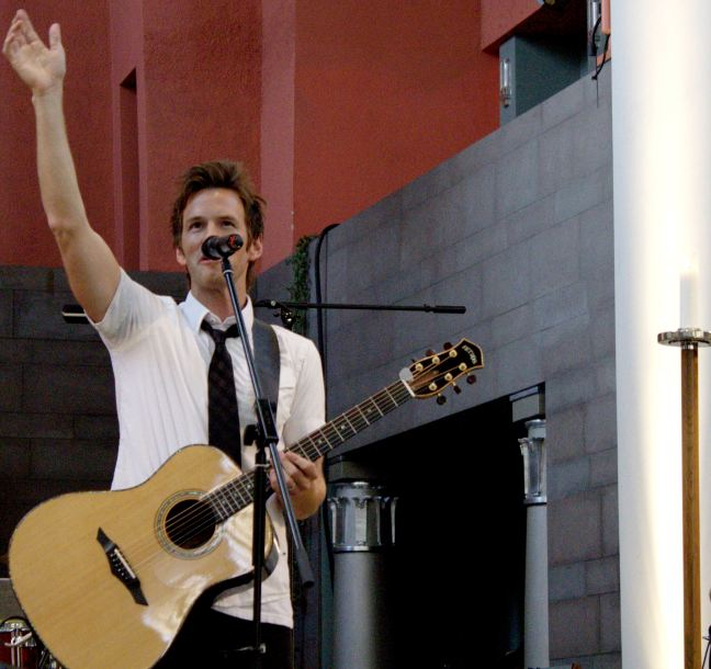 Aaron Keyes Band Ignited Finland with Worship
